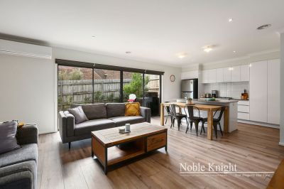 QUALITY TOWNHOUSE IN PRIZED CROYDON NORTH LOCATION