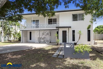 CALLING ALL EXTENDED FAMILIES- EXTRA LARGE INTERNAL STAIRS - TWO STOREY FAMILY HOME + IN-GROUND POOL. !!!