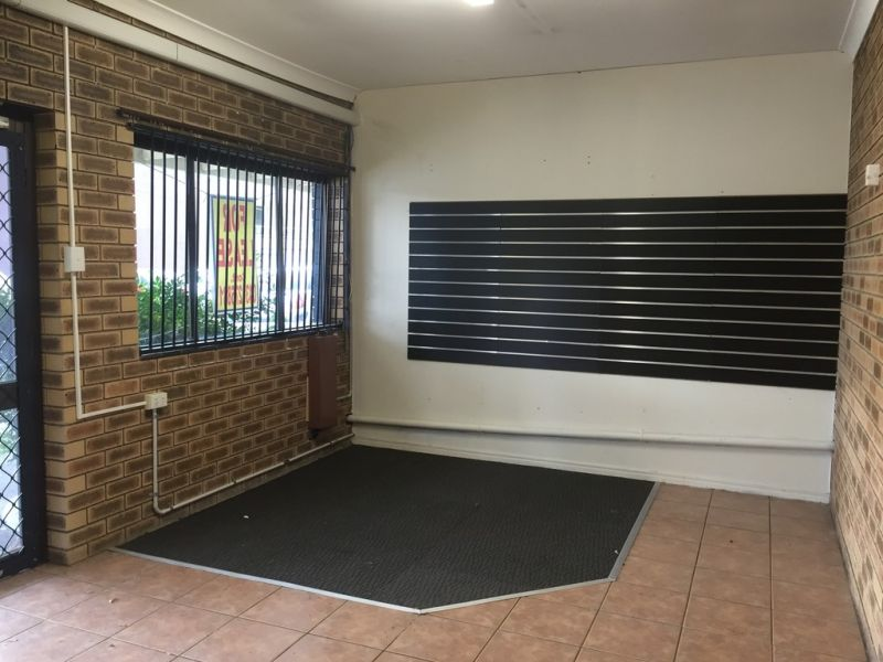 Cheap Rent On Busy Kingston Road