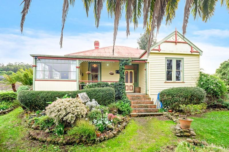 Charming Renovator With Water Views