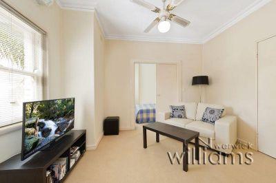 Sunlit apartment in Drummoyne Manor