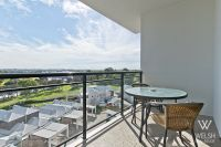 5TH FLOOR RIVERSIDE APARTMENT WITH AWESOME VIEWS!!!