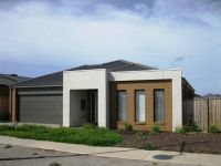 Featherbrook Estate, 5 Skein St: Your Dream Lifestyle Awaits!
