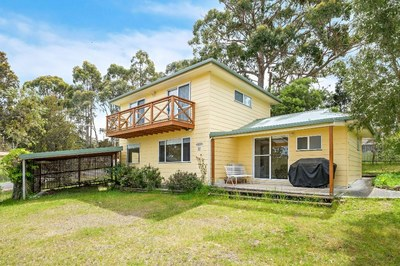 Three Bedroom Home with Beach Closeby