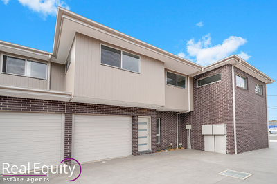 2/14 Governor Macquarie Drive, Chipping Norton