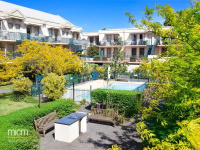 Nicholson Gardens - Stunning Two Bedroom Apartment at Nicholson Gardens
