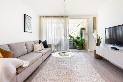 Tranquil Top Floor Bondi Apartment (Fully Furnished)