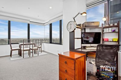 Superb Corner Living (62sqm approx.) Offers Unmatched Northerly Views
