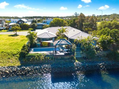 Hope Island Waterfront - Dual Living - No Body Corp