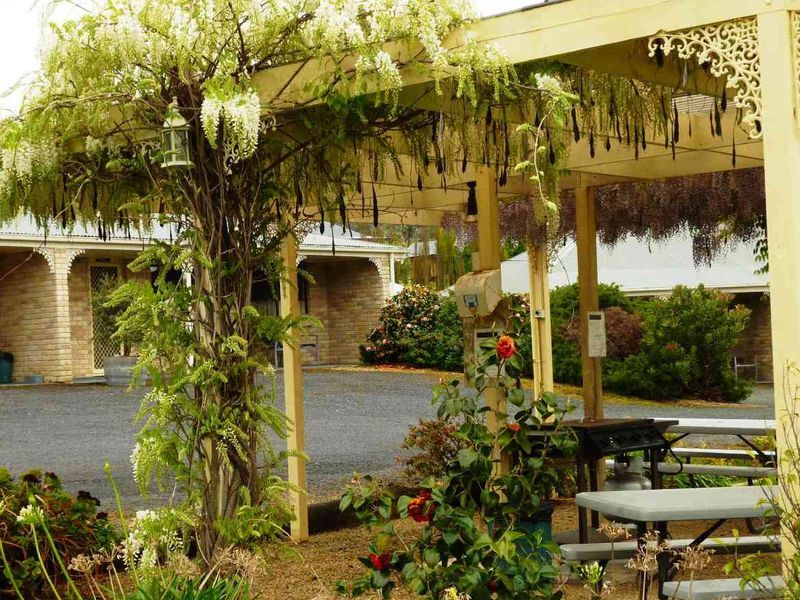 PORT ARTHUR VILLAS - OFFERS INVITED BY HIGHLY MOTIVATED VENDOR!