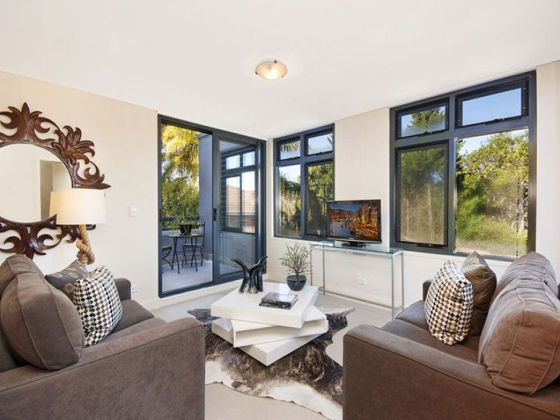 Immaculate contemporary apartment offers easycare lifestyle