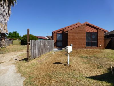 Renovated home, in central Werribee Location.