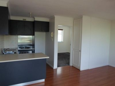 ONE BEDROOM APARTMENT IN CENTRAL LOCATION