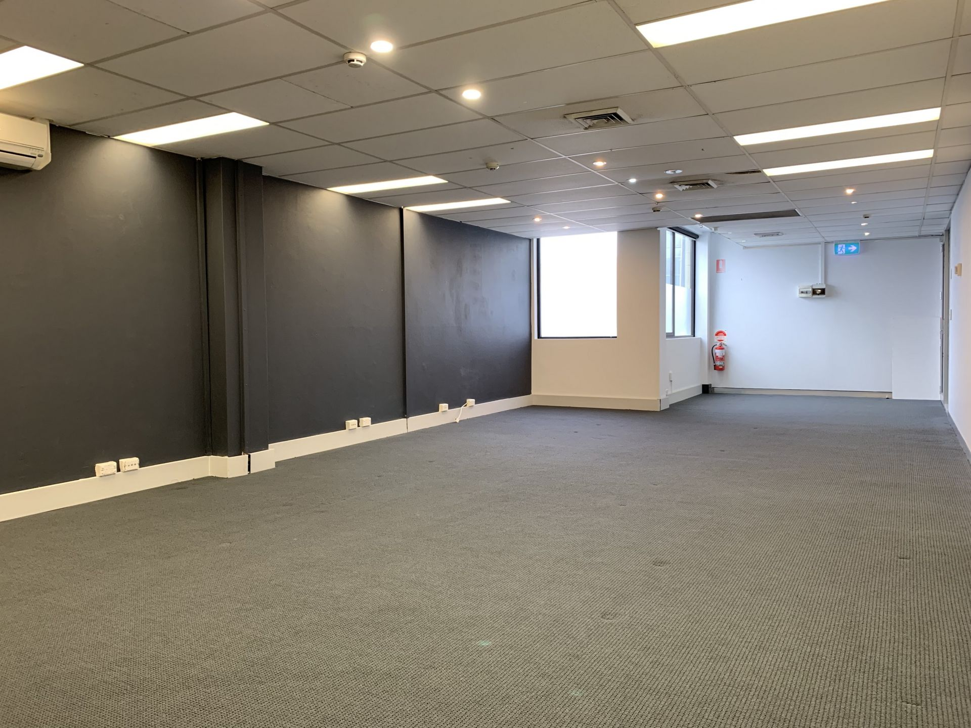 Entry Level Crows Nest Office