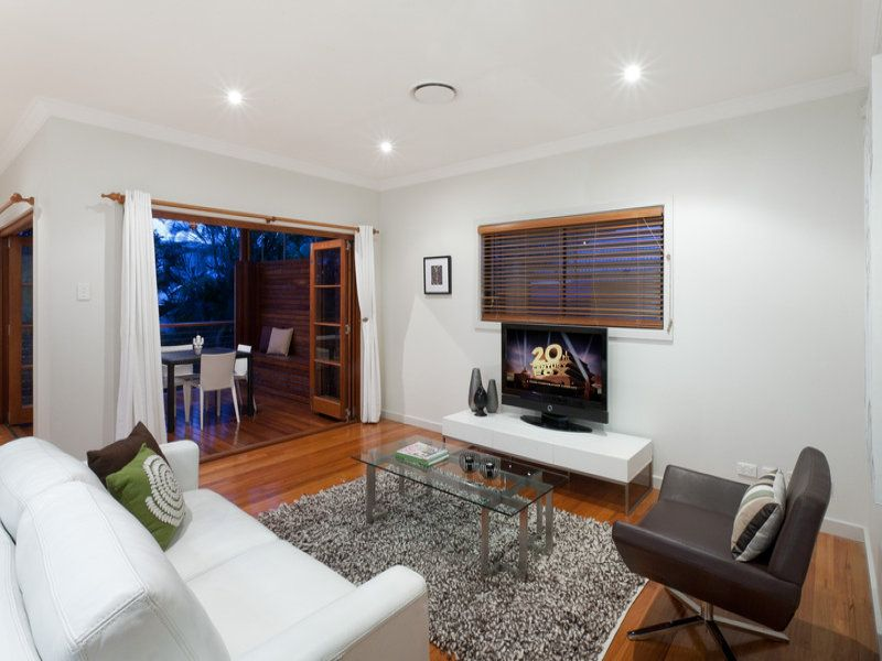 9 Young Street Red Hill 4059