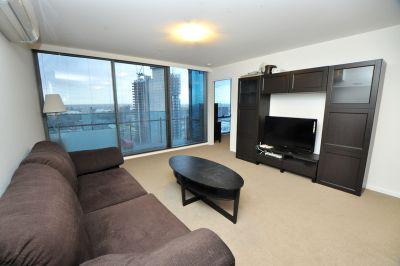 Mainpoint, 29th Floor - Furnished Apartment with Spacious Floorplan in Perfect Location!