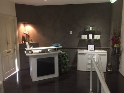 Beauty Salon Room to rent