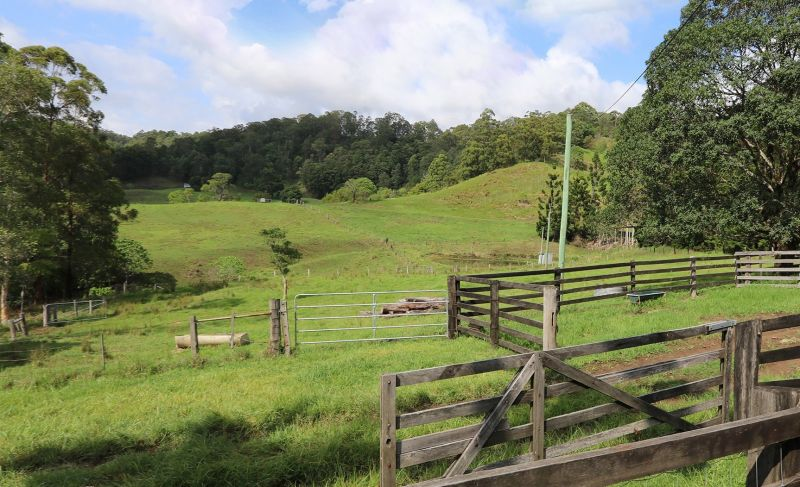 PRIVATE PARADISE - IDEAL FOR CATTLE OR LIFESTYLE!