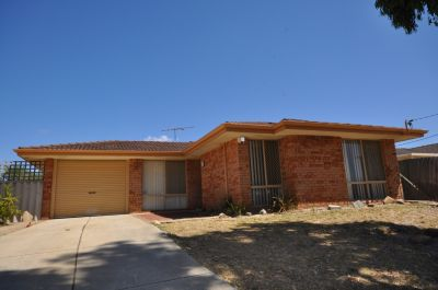 FAMILY HOME - READY TO MOVE INTO!!