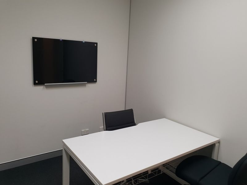 900SQM* FULLY FURNISHED PROFESSIONAL OFFICE SPACE