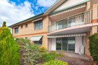 Candlewood Unit - Northfacing living areas open to garden terrace