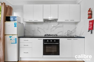Furnished and self contained unit in the heart of Kelvin Grove