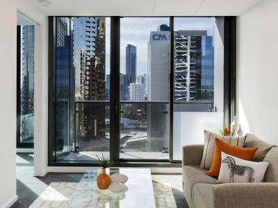 Southbank Grand: Spacious and Modern 1 Bedroom Apartment!