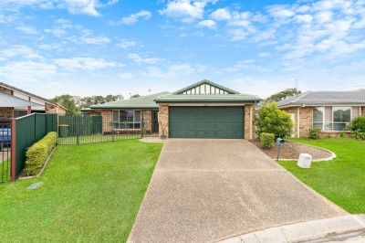 Hot Property Alert! Robina Waters.