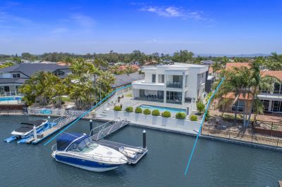 Prestigious Waterfront Living - 17.5m* frontage