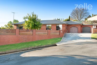 290 Downside Street, East Albury