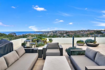 Spectacular Penthouse Apartment with Magnificent Coastal Views