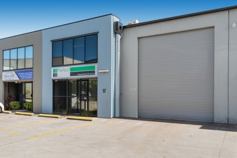 Functional Warehouse with Office in Kunda Park