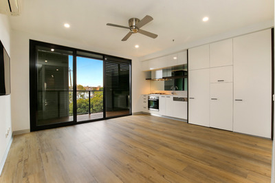 ELEGANCE IN THE HEART OF ST KILDA!