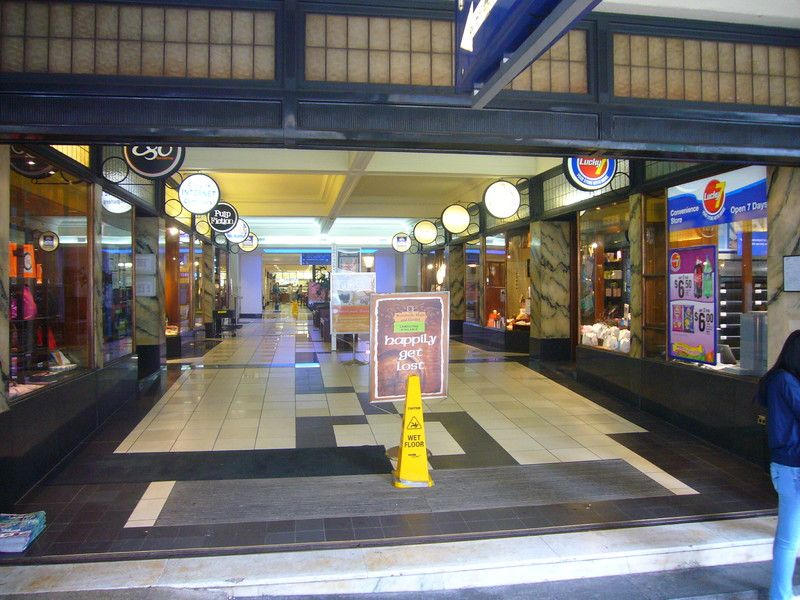 STRATA TITLED SHOP 26M2 FOR LEASE
