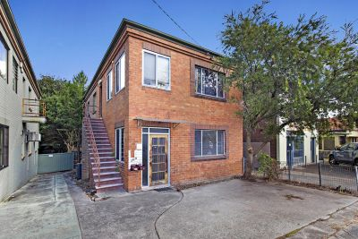 Two bedroom plus Study in Convenient Location