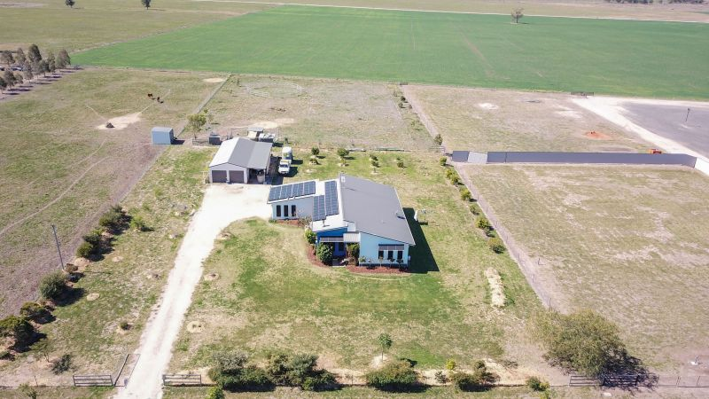 A SUPERB ACREAGE LIFESTYLE WITHOUT THE HEFTY PRICE TAG