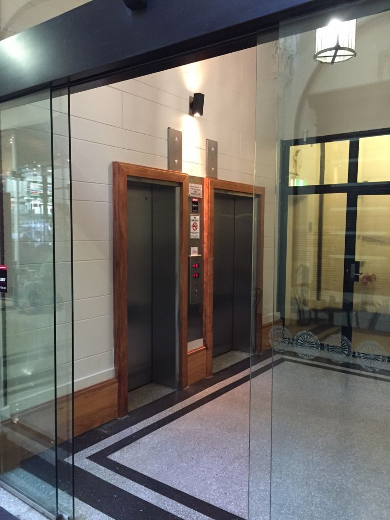 Bright 17sqm office with great view over Pitt Street