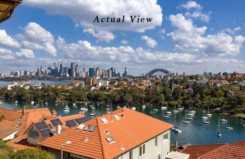 CHARMING APT WITH CAR SPACE & BREATHTAKING SYDNEY HARBOUR VIEWS