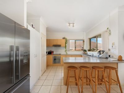 LARGE FAMILY HOME AT END OF QUIET CUL-DE-SAC IN COOMERA SPRINGS
