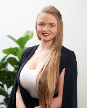 Caylaraye Riley Real Estate Agent