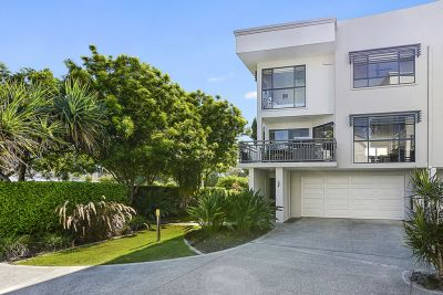 Effortless Broadwater Living with Wide Water Views