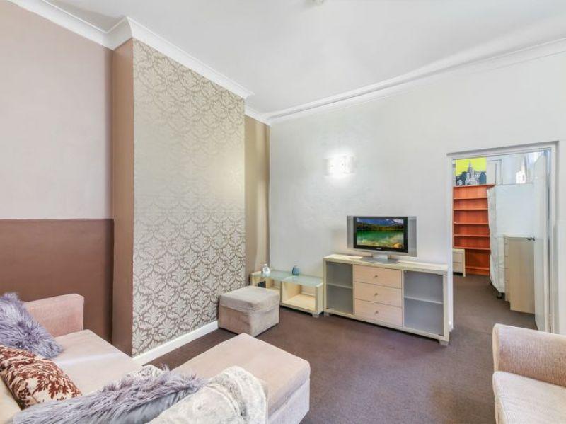 FULLY FURNISHED 1 BEDROOM UNIT CLOSE BY SYDNEY UNI