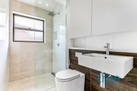 = HOLDING DEPOSIT RECEIVED = IMPECCABLY PRESENTED AND ULTRA MODERN APARTMENT