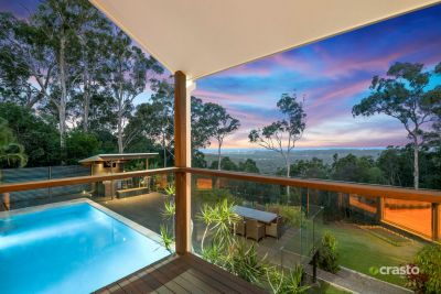 Private Entertainer with spectacular City and Ocean Views
