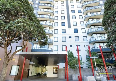 PARKSIDE: Stunning Apartments for Lease in South Melbourne! INSPECT 7 DAYS A WEEK!