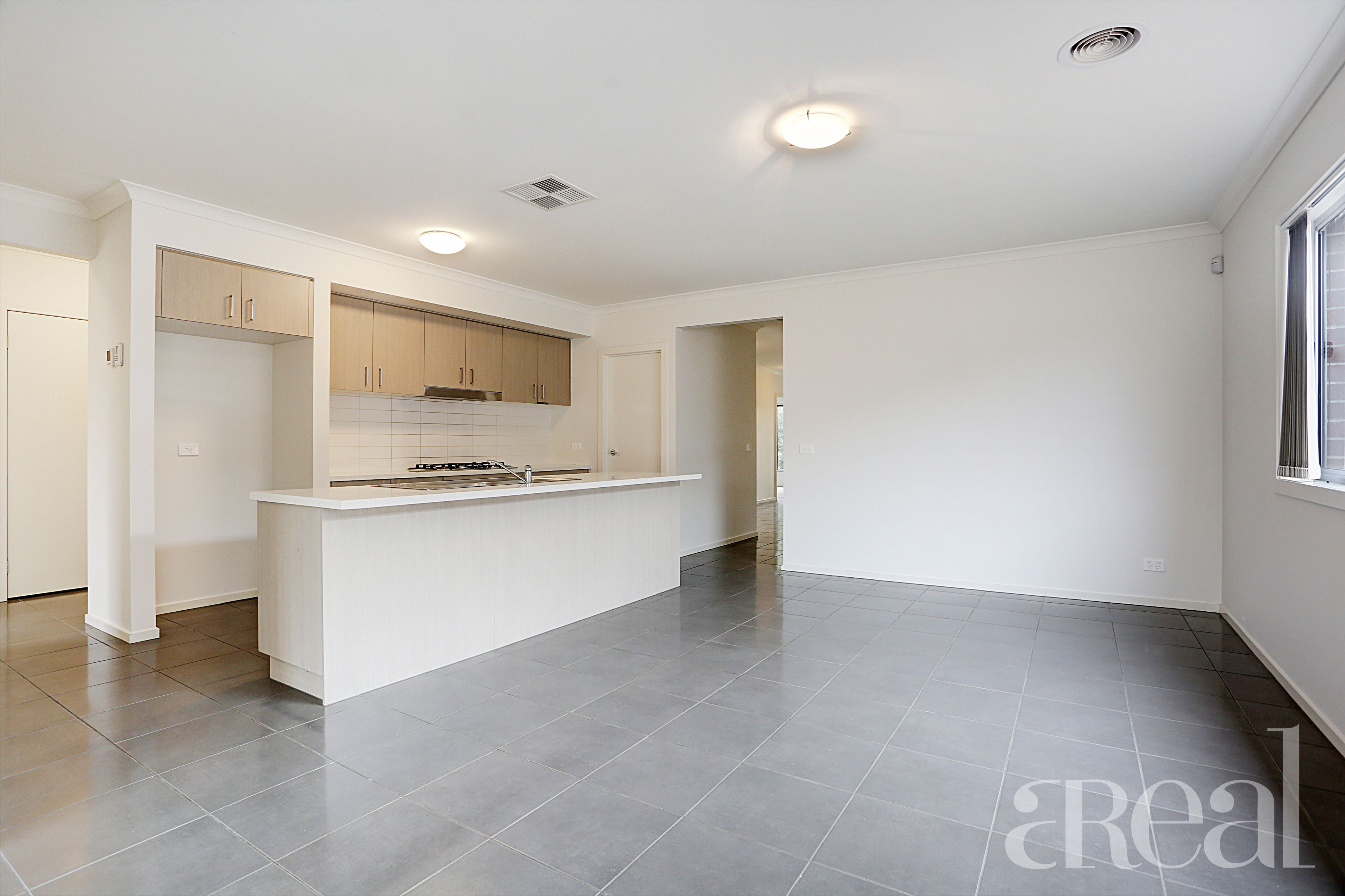 6 Ostend Crescent, Point Cook VIC 3030