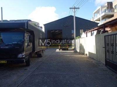 530sqm - High Clearance Free Standing Warehouse