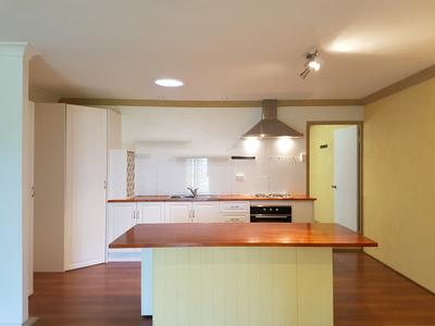 Convenient & modern inner city apartment