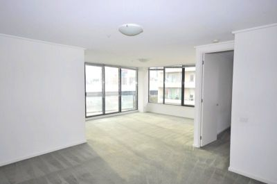 Yarra Crest: 7th Floor - Tram Stop At Your Doorstep!