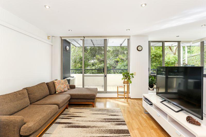 Upgraded finishes | Leafy outlook | Wrap around balcony
